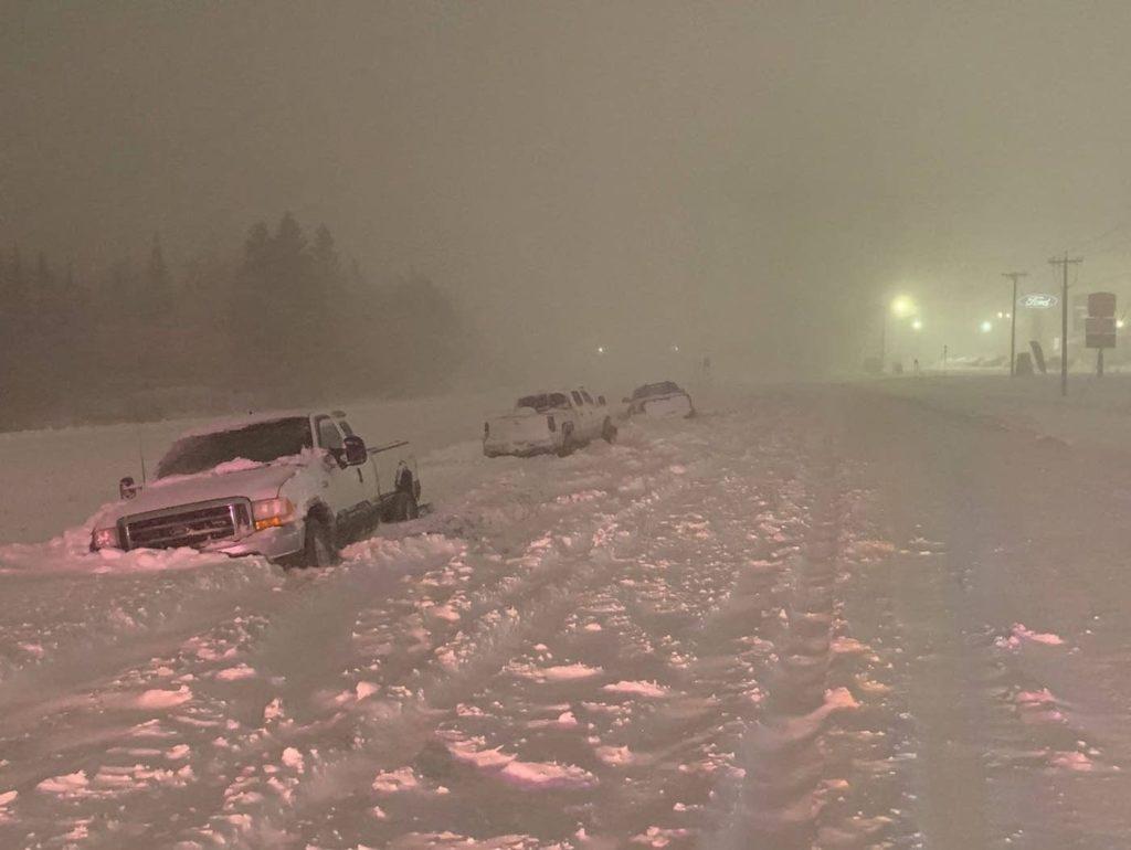 عاصفة ثلجية تغلق الطرق السريعة مع 20 بوصة من الثلج على دولوث