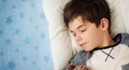 5 أطعمة يساعد تناولها ليلا على النوم العميق
