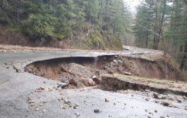 اكثر من 500 شخص تقطعت بهم السبل بسبب انهيار ارضي في فانكوفر