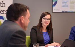 عضو برلمان أونتاريو تتطوّع كممرضة في مستشفى إتوبيكوك للمساعدة بمواجهة فايروس COVID-19