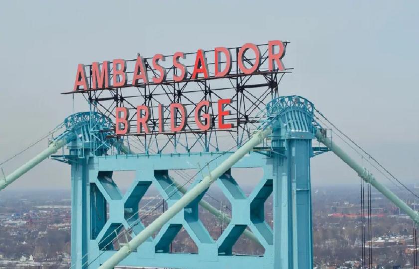 مالك جسر Ambassador في وندسور يعفي العمال الاساسيين من رسوم العبور بين كندا وامريكا