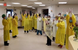 الاحتفال بانتهاء تفشي فايروس كورونا في اول دار تمريض في أونتاريو
