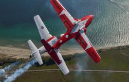فريق Snowbirds سيحلق فوق منطقة واترلو بعد ظهر اليوم السبت
