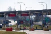 كندا تمدد اغلاق حدودها مع الولايات المتحدة حتى 21 نوفمبر