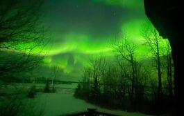 بالصور... الشفق القطبى يزين سماء مقاطعة ألبرتا