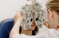 أونتاريو تدفع رسوم فحص البصر لأخصائيي العيون وبأثر رجعي