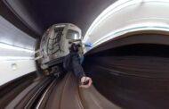 بالفيديو... شخص يتمسك بقطار الأنفاق من الخلف وشرطة تورونتو تحقق