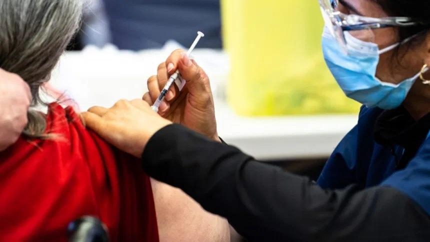 مدينة كامبريدج تطبق سياسة التطعيم الإلزامية