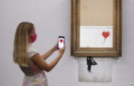 لوحة بانكسي الشهيرة التي مزقت نفسها تباع مجددا بـ 8.3 مليون دولار..