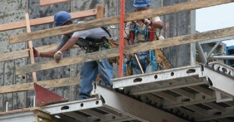 أونتاريو تتخذ إجراءات لحماية العمال المعرضين للخطر
