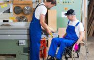 أونتاريو تساعد ذوي الهمم للعثور على فرصة عمل من خلال برامج دعم متطورة